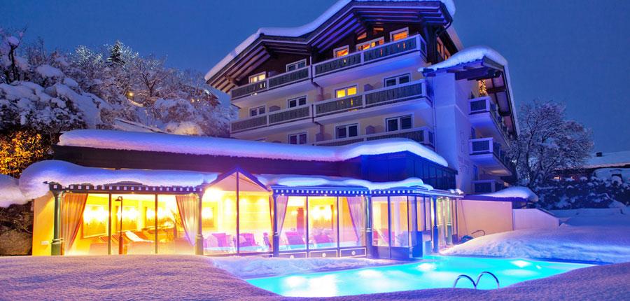 Austria_Zell-am-see_Hotel_Berner_outdoor_pool.jpg